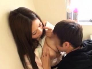 Порно с красивой японской сестрой