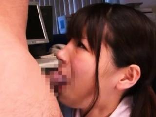 Японскую ведущую в прямом эфире порно