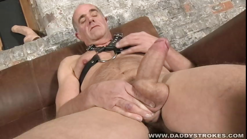 Porno Video of Daddy Playing With His Baton