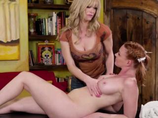 Порно видео массаж делает девушка смотреть