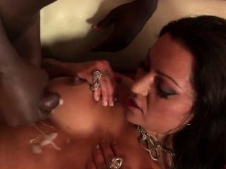 Смотреть порно жена спит подругу ебет