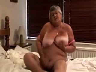 Секс видео мастурбация милф в чулках