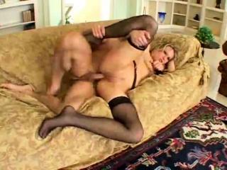 Фото девушки в чулках с пиздой