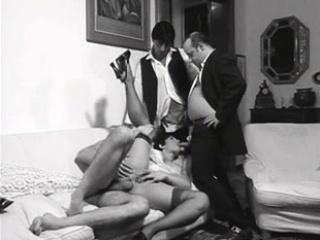 Смотреть бесплатно порно групповое зрелыми
