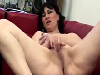 Порно видео мастурбации с огромными фаллосами смотреть порно