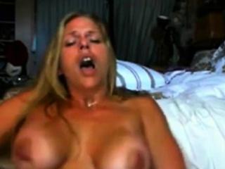 Порно мастурбация крупным планом оргазм