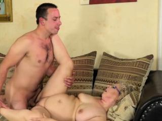 Блондинка в возрасте секс видео