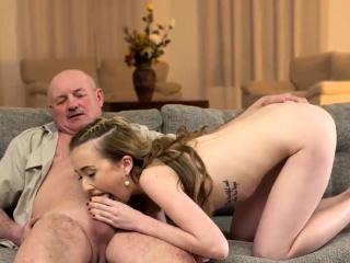 Пизда молодых девушек и женщин смотреть порно