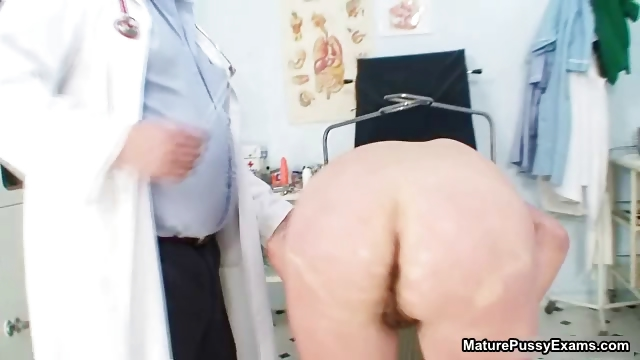 Porn Tube of The Pussy Doctor Sticks A Plastic Part3