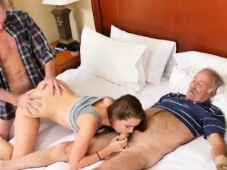 Одну втроем русское порно пьяные