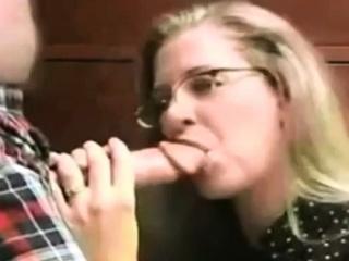 Русская блондинка на порно кастинге