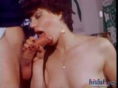 Секс с тощей в порнобудке
