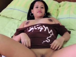 Delectable japanese bombshell Joy prepares for blowjob