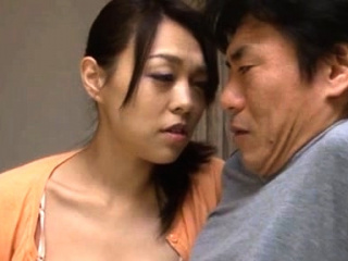 Japanese chick goes down on weenie and rides vigorously