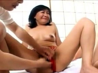 Japanese BBW mature fingering and fucking