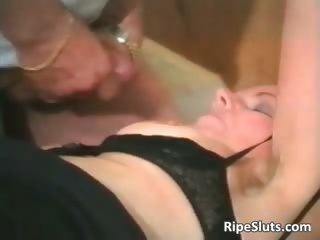 Mature brunette gets that wet hairy part4