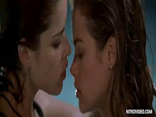 Porno Video of Denise Richards French Kisses Neve Campbell