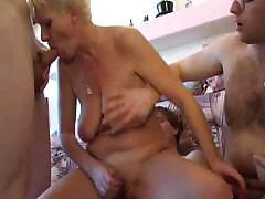 Зрелое порно видео вчетвером