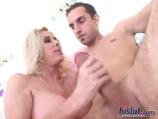 Смотреть порно с зрелыми женщинами за 50