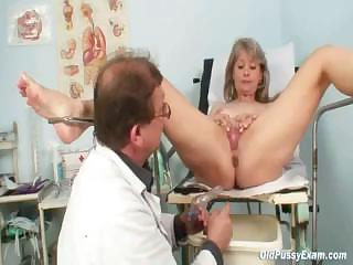 Porno Video of Mature Alena Gyno Pussy Real Clinic Examination