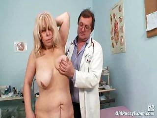 Porno Video of Milena Visiting Her Gyno Doctor Friend Who Is Opening And Gaping Her Old Mature Pussy Wide With A Speculum.