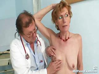 Porno Video of Old Lady Mila Visiting Gyno Doctor For Pussy Speculum Examination On Gynochair