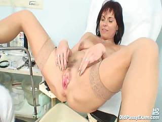 Porno Video of Mature Livie Visiting Her Gyno Doctor For Pussy Speculum Mature Gyno Exam
