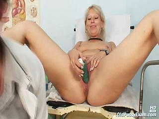 Porno Video of Mature Romana Visits Her Favourite Doctor
