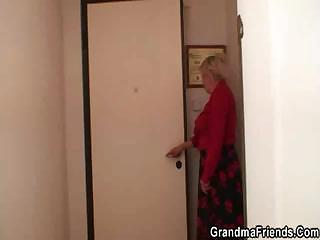 Porn Tube of Two Repairmen Bang Busty Grandma From Both Ends