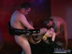 Сексуальные красотки танцуют еротический танец видео