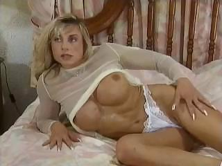 Porno Video of Bodybuilding Mature Women Big Clit Tits Anal Muscle Girl