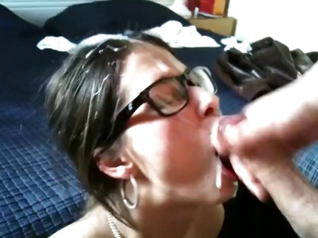 Porno Video of Cute Emo Teen Taking A Facial