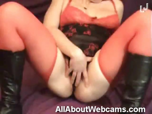Porno Video of Real Moms On Cam!
