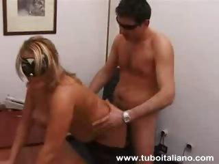 Итальянский порно фильм горничная