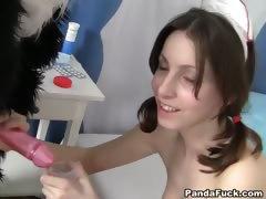 Порно старушка поделилась молочком