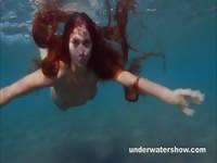 Голые девушки под водой голые