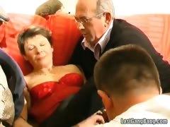 Смотреть порно инцест с горничной