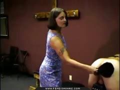 Русское порно трахает служанку