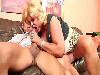 Porno Video of Huge Gran 1