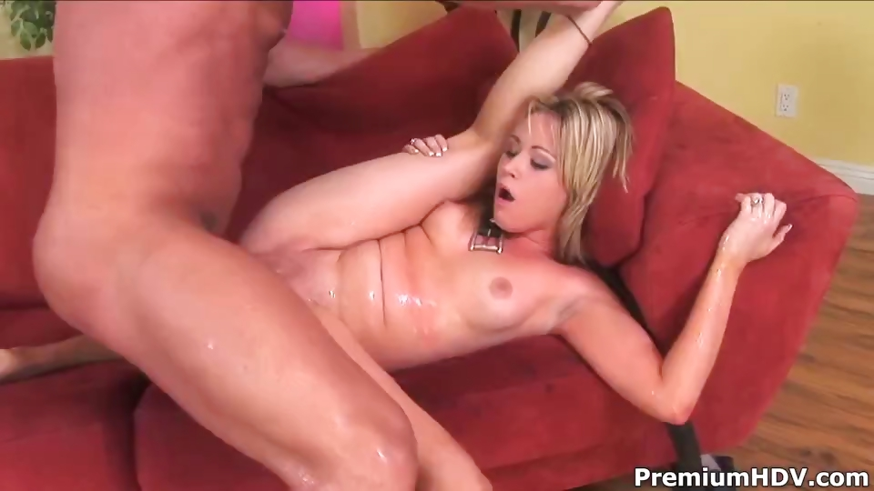 Porno Video of Sidnee Working Out Huge Cock