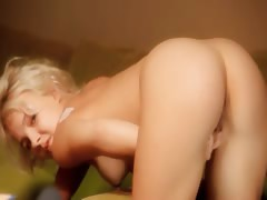 Огромныи дылдо кончил в анус порно онлайн