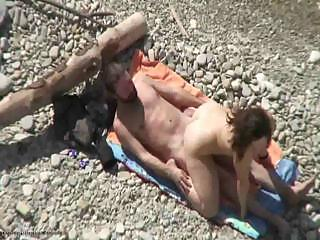 Sex Movie of Sex Adventure On The Sunny Beach With Professional Hoochie Jade