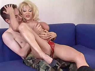 Porno Video of Hot Mature Blonde Cougar Donna D'enrico