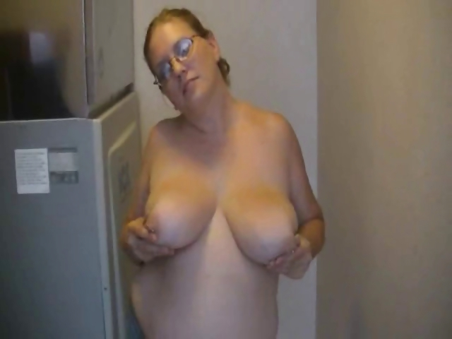 Porn Tube of Bbw Flashing Big Boobs In Hallway