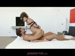 Хачики ебут пьяную бабу смотреть порно