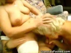 Порно принуждения женщин возрасте.