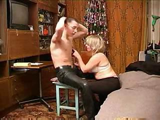 Porno Video of Russian Middle-aged Woman Sucks Young Guy's Hungry Beaver-cleaver