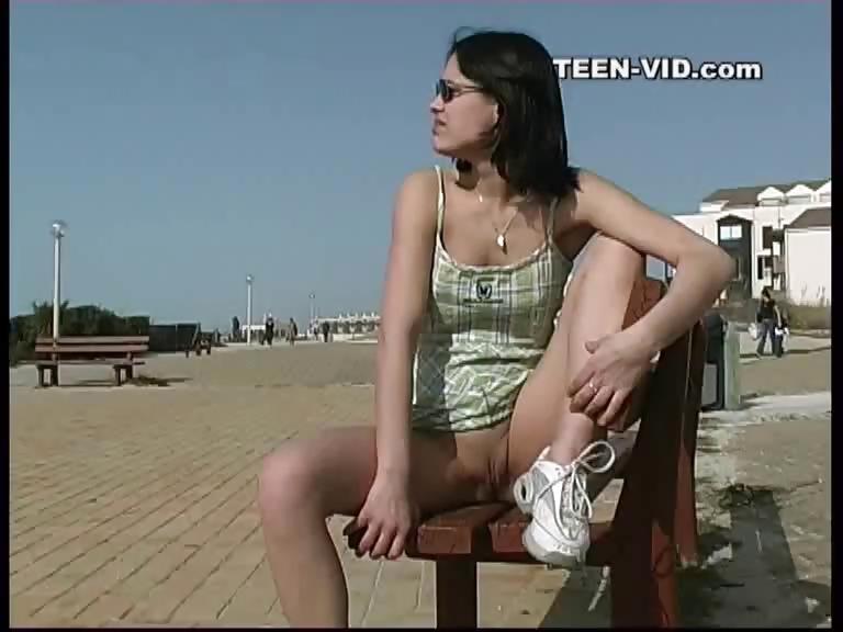 Porno Video of Brunette Teen Upskirt No Panties
