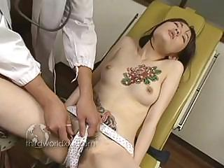 Porno Video of Asian Girl Meets The Horny Doctor