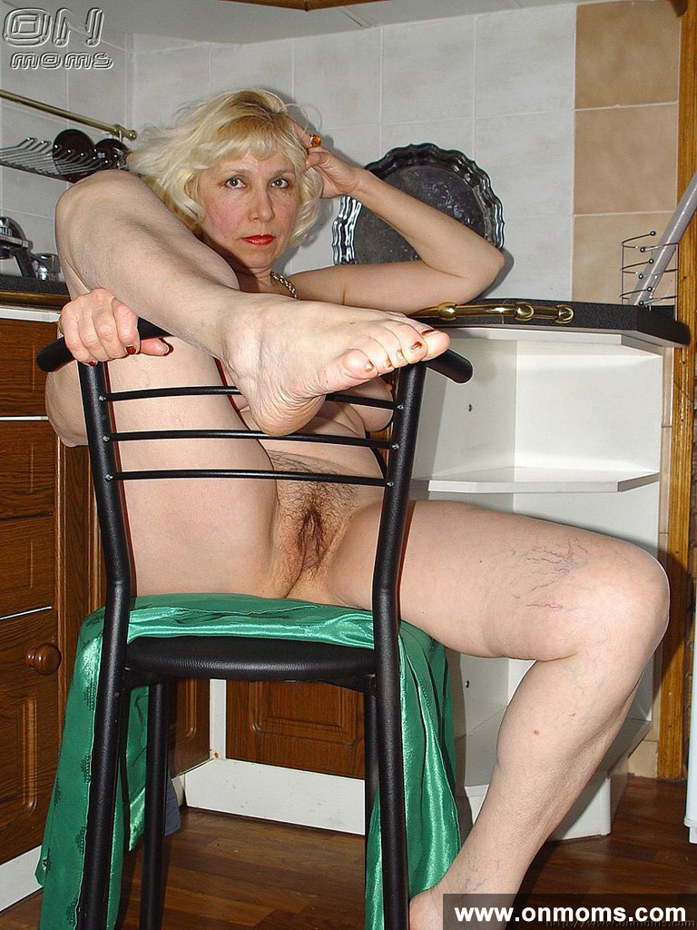 mature housewife undressing in the kitchen - porn photos - photo 18